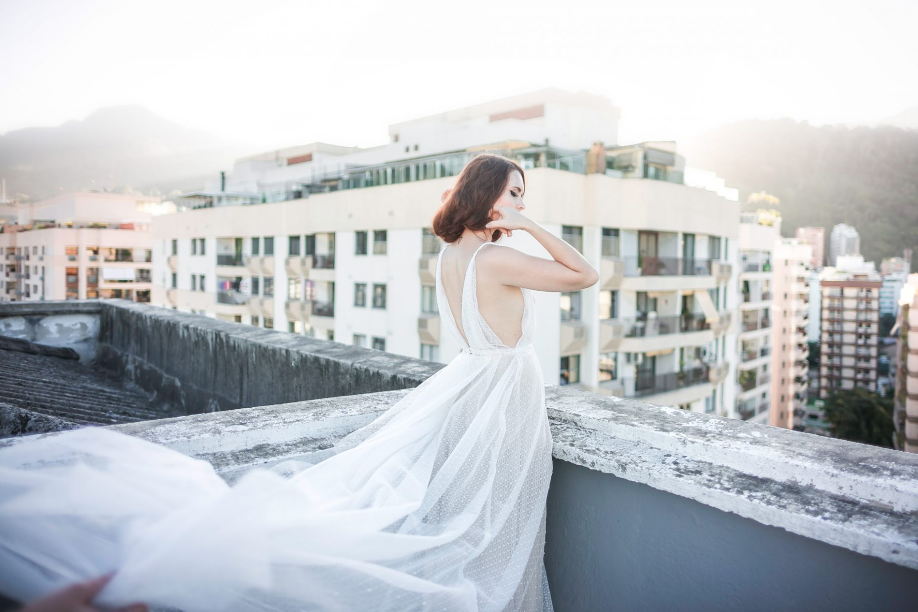 Atelier_fafi_vasconcellos_editorial_rooftop_noivas_sharon_eve_smith_giselly_goncalves_1_v2